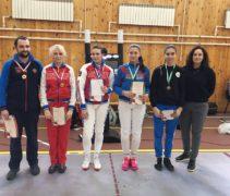 Серебро и бронзу завоевали наши шпажистки на всероссийских спортивных соревнованиях среди юриорок