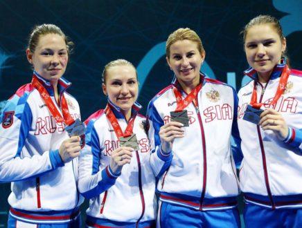 Сборная команда России по фехтованию на рапирах завоевали серебряные медали чемпионата Европы!