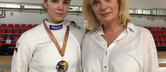 Гзюнова Анна завоевала бронзовую награду на всероссийских соревнованиях среди юниорок!