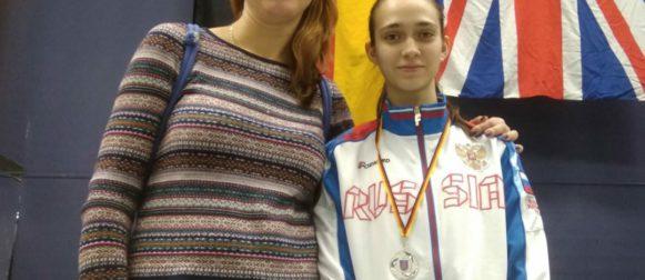 Пенюшкина Владислава заняла вторую ступень пьедестала командного турнира рапиристок Европейского кадетского цикла!